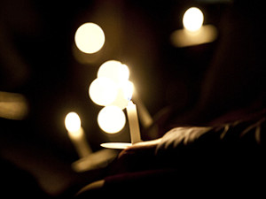 Candlelight_prayer_vigil_File_Photo_Credit_Mazur_catholicnewsorguk_EWTN_World_Catholic_News_12_7_12